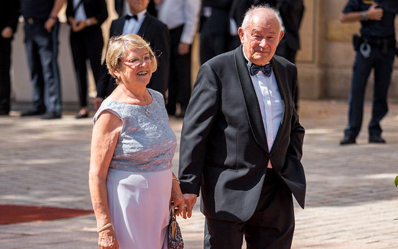 Günther Beckstein mit Ehefrau bei der Premiere der Bayreuther Festspiele 2018