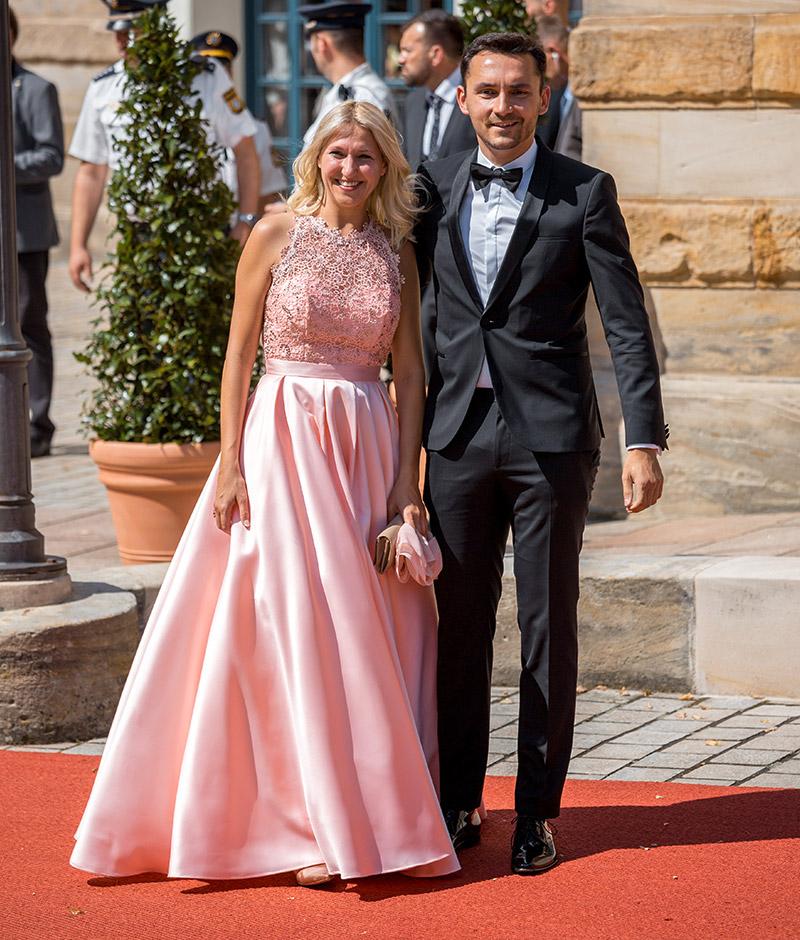 Silke Launert mit Aleksandar Trifunovic bei der Premiere der Bayreuther Festspiele 2018