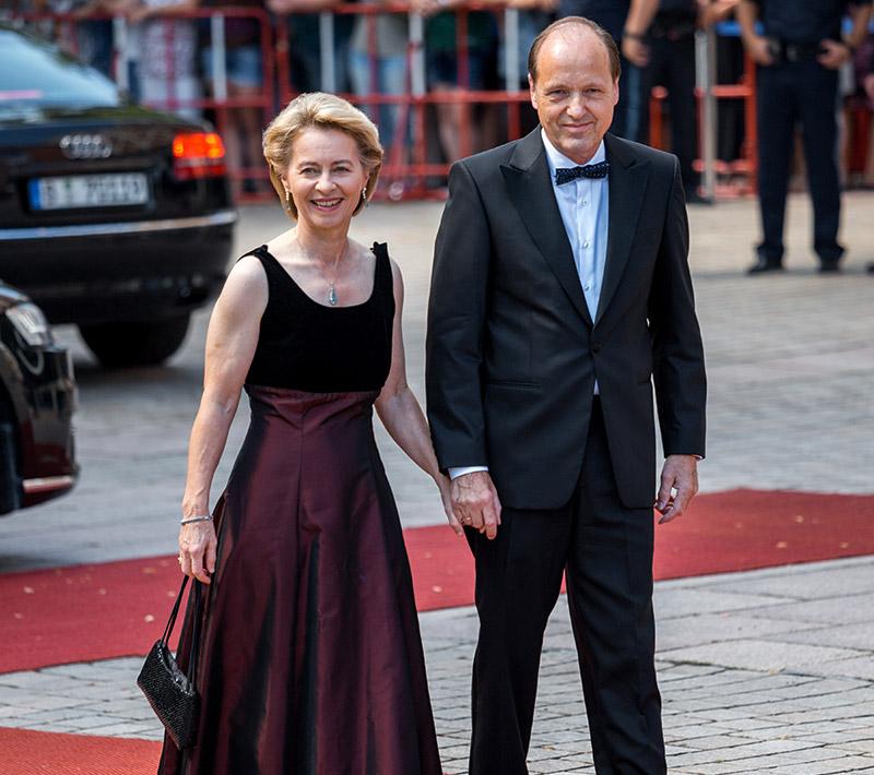 Ursula von der Leyen mit Ehemann Heiko bei der Premiere der Bayreuther Festspiele 2018