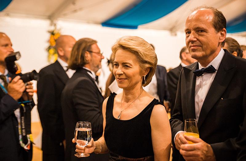 Ursula von der Leyen beim Staatsempfang nach der Premiere der Bayreuther Festspiele 2018